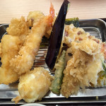 Santen - 「グランドスラム天ぷら定食」の具材は11種類