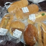山田製パン - 料理写真:創業昭和13年の老舗のパン屋「山田製パン」さんでいっぱい買ってきました