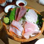 大魚 - 刺身4種盛(マグロ、カサゴ、カンパチ、???)