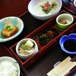 稲取銀水荘 - 料理写真:朝食はシンプルですけど、ご飯がすすむおかずばかり。