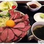 浪漫亭別館 遊びBar - ローストビーフ丼