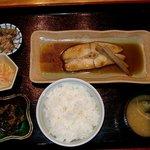 和食屋 あい膳 - カレイ煮付(定食)
