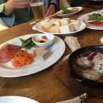 50511211 - 海老のアヒージョ&前菜