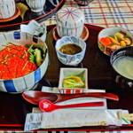 魚りん - 自家製いくら丼