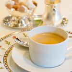メゾン エメ・ヴィベール - 食後のコーヒー