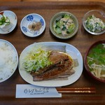 しげちゃん食堂 - ハチビキ照り焼き定食(880円)