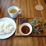 肉と葡萄酒 跳牛 - ハンバーグステーキ