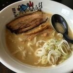十二分屋 - 料理写真:近江鶏白湯 850円