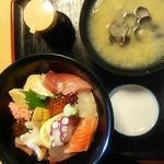 蛇の目寿司 - 海鮮丼\1950
