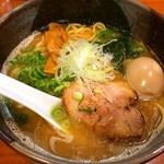 鐙 - あぶみラーメン+味玉