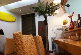 Hawaiian diner HONU - 店内です。