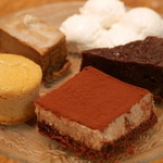 ビオ カフェ - 里芋焼きプディング、ベイクド豆乳チーズケーキ、ティラミスbio、生姜の豆乳ガトーショコラ
