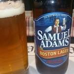 ヴィレッジヴァンガード ダイナー - まずはSamuel Adams(他のImported Bottled Beerも多い)