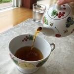プティ キャナル - 紅茶の器はかわいいです