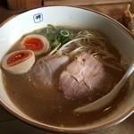 麺や輝 本店 - 味玉ラーメン(780円)