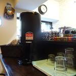 カフェ&バル 隠れ屋 - カウンター