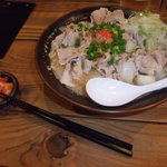 Ramensangenya - もばらぁめん豚バラ3段盛り950円の麺大盛り230g無料、にんにく無料、茂原ネギトッピング無料