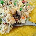 50572712 - ナマコなどの海鮮具材が入っている贅沢な炒飯