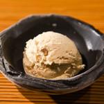 鹿児島産黒糖アイス