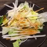 焼肉白李 - ランチのサラダ
