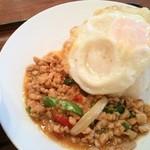 50581354 - 「鶏挽き肉のバジル炒めかけご飯」