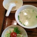 50581357 - サラダと優しい味のスープ、デザート付
