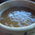 茶の里 映山紅 - ぐつぐつしている茶がゆ