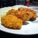 ナゴヤ オイスターバー - 牡蠣フライ2種