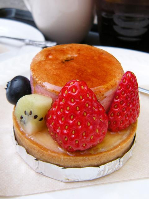 お菓子の森 - 森のフルーツタルト¥450