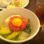 76CAFE OMOTESANDO - NARU丼 1050円