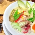 銀座 篝 - 鶏白湯 並盛 季節の野菜、煮たまごトッピング
