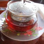 ルドゥーテ - デザートの時の紅茶のポットサービス