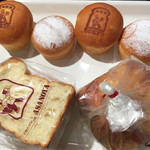 ブランジェ浅野屋 - 黒糖あんぱん と クリームパン と はちみつバターのりんごブレッドハーフ