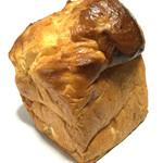 ブランジェ浅野屋 - はちみつバターのりんごブレッドハーフ 税込378円