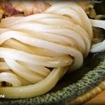 玉藻うどん - やや細めの手打ち麺
