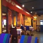 ゴダワリアジアンレストラン&バー - 広々とした店内
