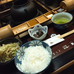 串揚楯己 - サラダ・ご飯・小鉢・味噌汁・香の物