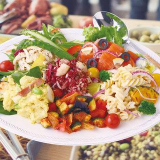 手作りデリ・サラダ食べ放題!単品もあります!