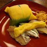 Hachiku - 茶巾、黄味すし3種 \1,280
