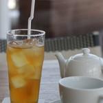 Ron Herman Cafe - ドリンクは+200円で。