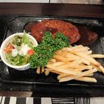 いとうレストラン - 料理写真:ハンバーグのランチ