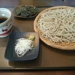 蕎麦さとやま - ざるそば(750円)