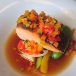 レストラン コンテッラ - 2016/5 お魚料理・桜ますのポワレ 飾り野菜のソース