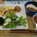 CAFETERIA 岡崎農場 - 2016.05 山登り前のガッツリな朝食セット(700円)