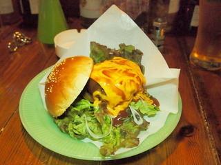 ブラウン トースト - BTハンバーガー(チーズ、ハラペーニョトッピング)