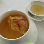 50615447 - フカヒレ入りスープ餃子