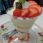 クインズケーキ - いちごのティラミス 2016.5