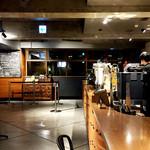 ネイバーフッドアンドコーヒー - 店内です d(^_^o)