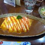 50624770 - 薬膳オムライスカレーサラダ付き(850円)