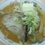 よし乃  - 【料理】味噌ラーメン+バター